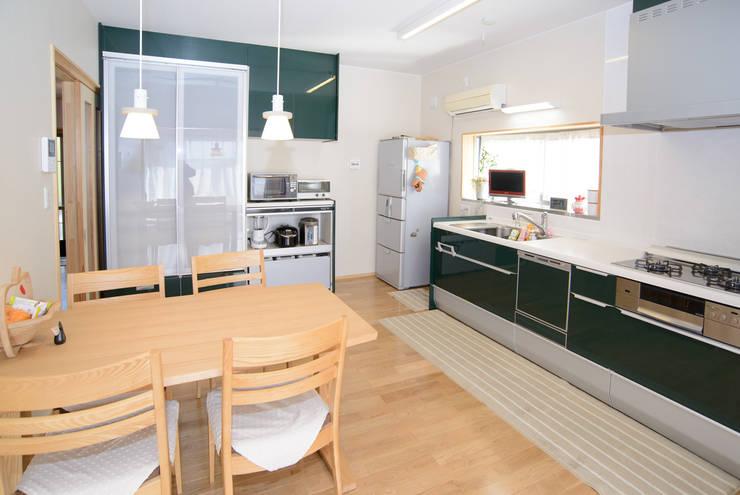 キッチン: 鈴木住建が手掛けたキッチンです。
