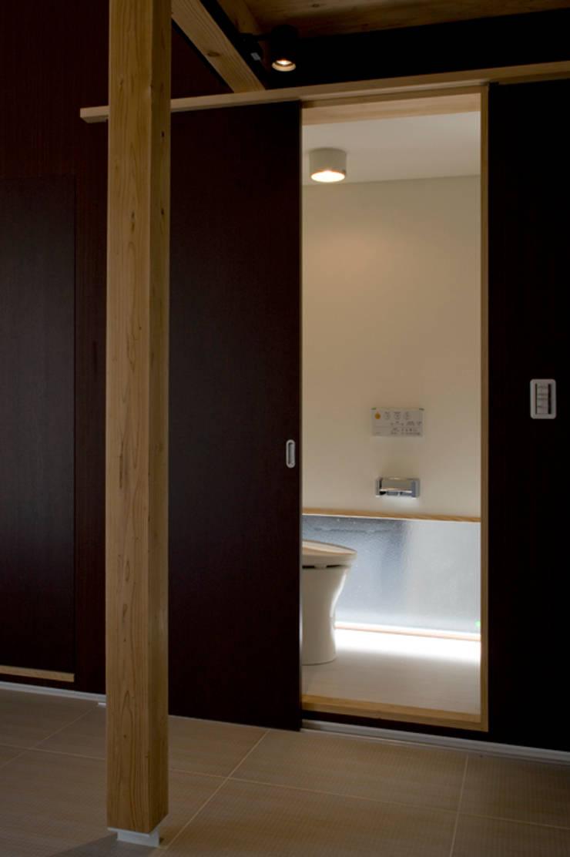 sora モダンスタイルの お風呂 の 一級建築士事務所 感共ラボの森 モダン