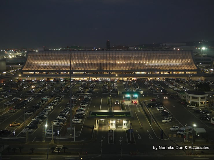 facade: WORKTECHT CORPORATIONが手掛けた空港です。