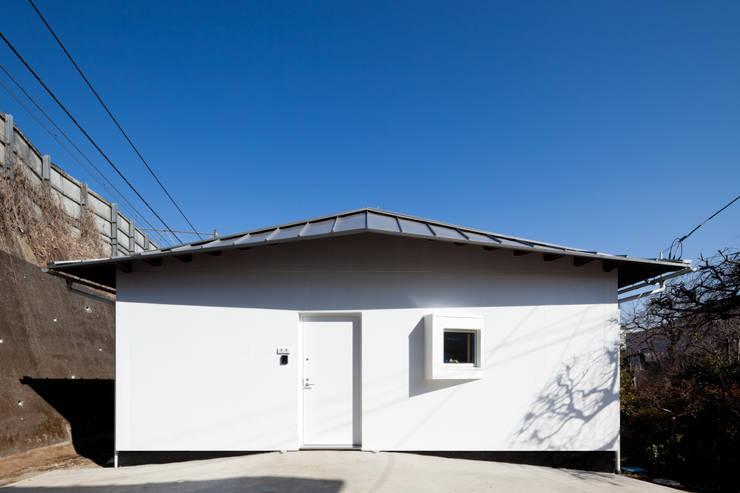 西側外観写真: 加藤裕一 / KSA が手掛けた家です。,