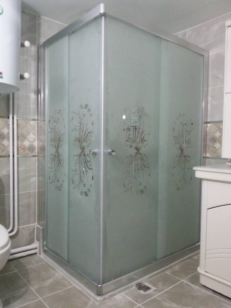 BALKAN BANYO  – parlak aluminyum profilli duşakabin:  tarz