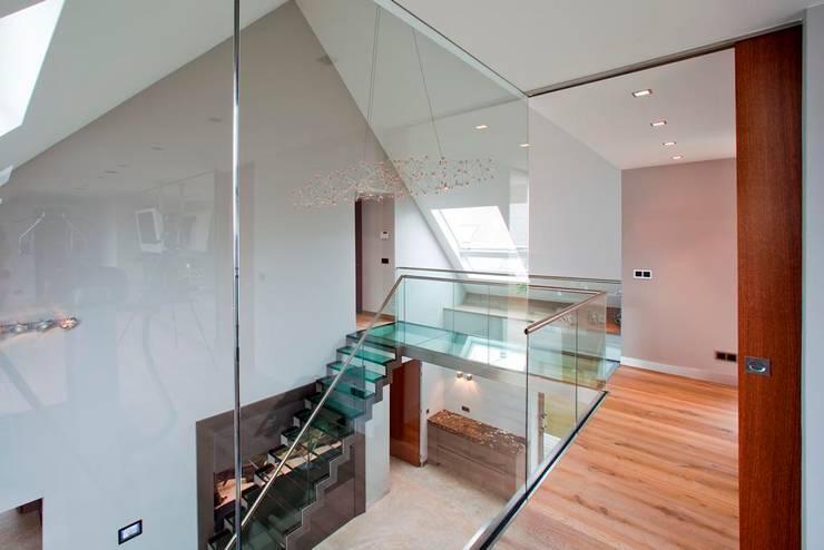 Glazen Trap & Balustrade:  Eetkamer door Buys Glas, Modern