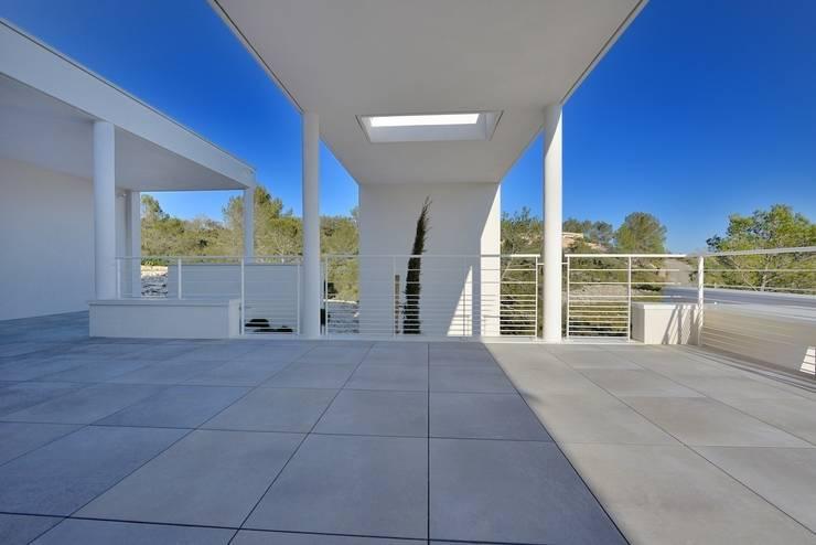 TERRASSE : Terrasse de style  par JOSE MARCOS ARCHITECTEUR