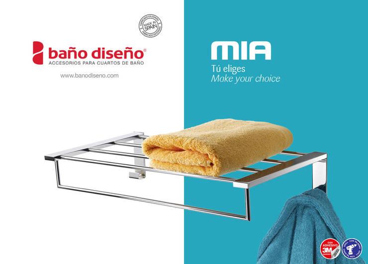 Colección MIA - accesorios de baño adhesivos / con taladro - Baño Diseño: Baños de estilo  de Baño Diseño