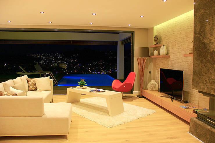 ARTHUR&MILLER – ZEN BODRUM:  tarz Oturma Odası, Modern
