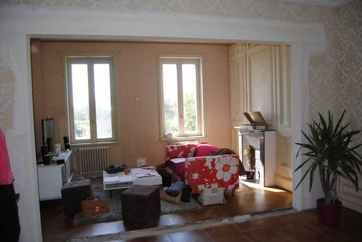 Salon avant travaux:  de style  par Rouge Amande
