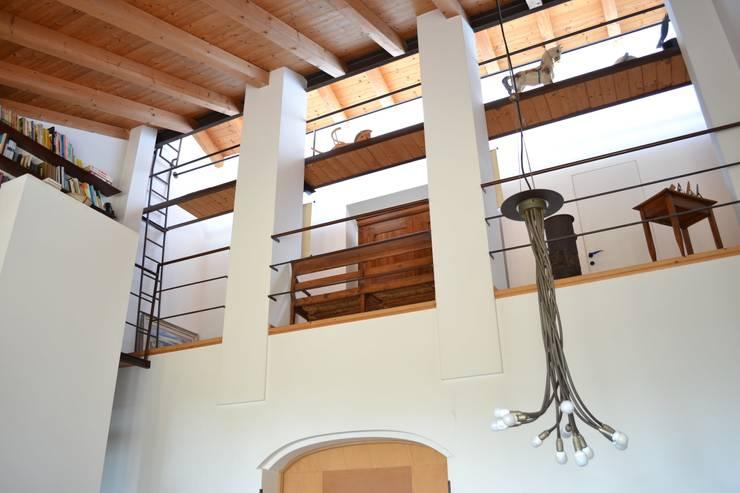 Terrasse de style  par Studio Thesia Progetti