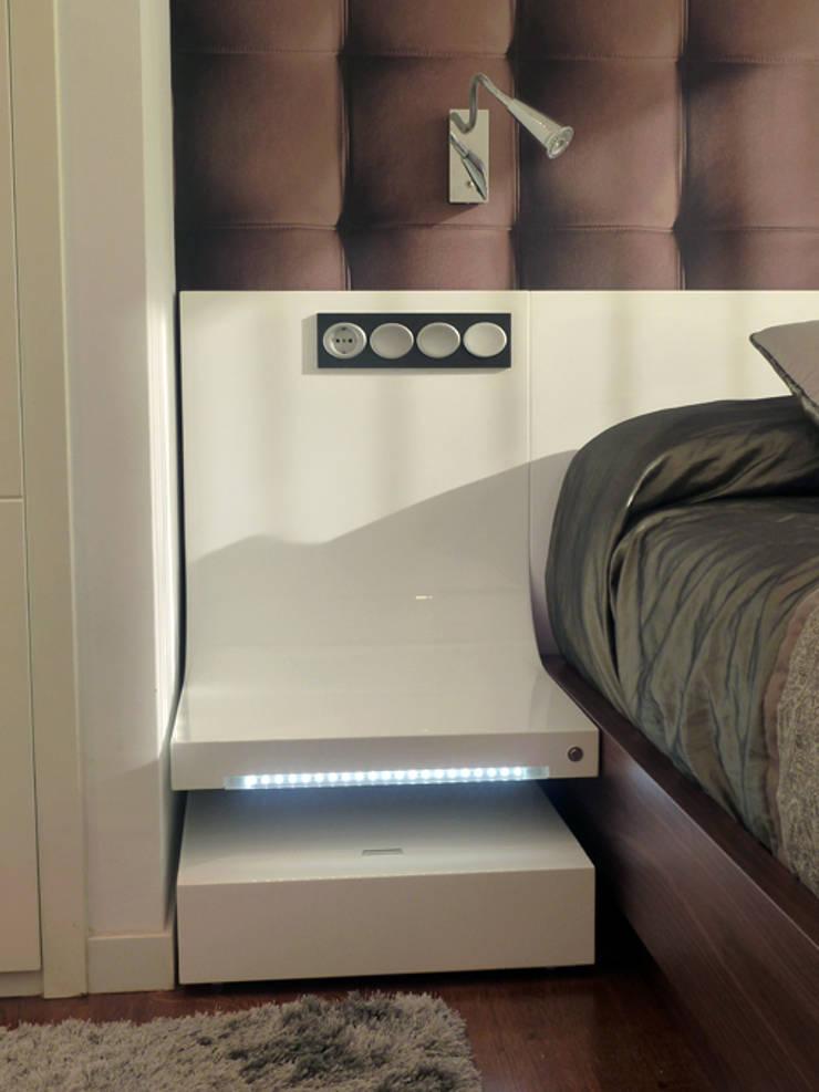 PROYECTO Y AMUEBLAMIENTO DE VIVIENDA EN GIPUZKOA.: Dormitorios de estilo  de ERRASTI