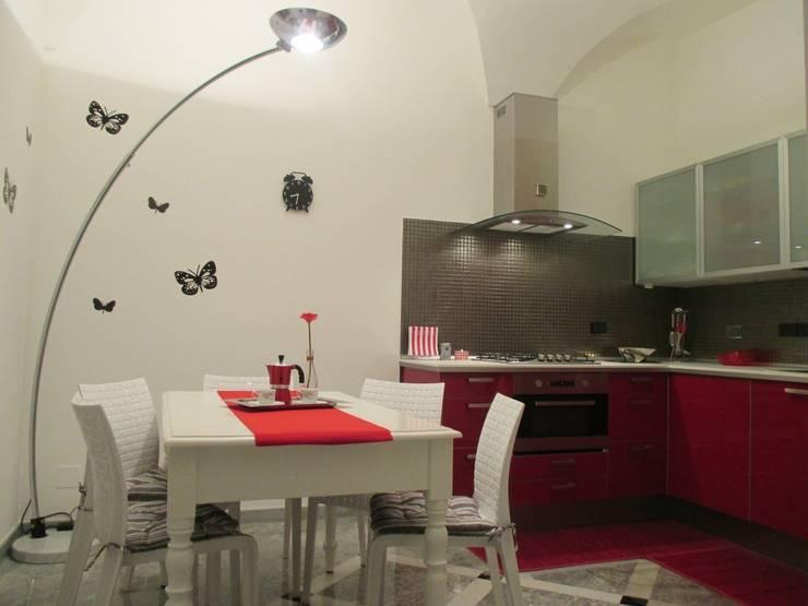 مطبخ تنفيذ Paola Boati Architetto