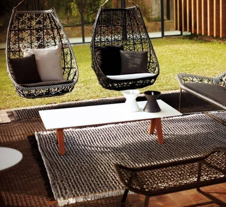 Maia - Kettal: Balcone, Veranda & Terrazzo in stile  di MOHD - Mollura Home and Design
