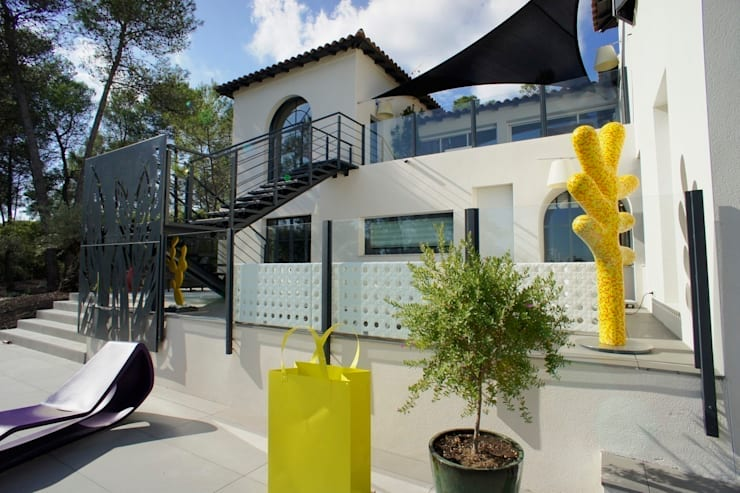 Rénovation et décoration d'une villa au Nord de Montpellier, Parcs des Vautes: Maisons de style  par LEWISA home