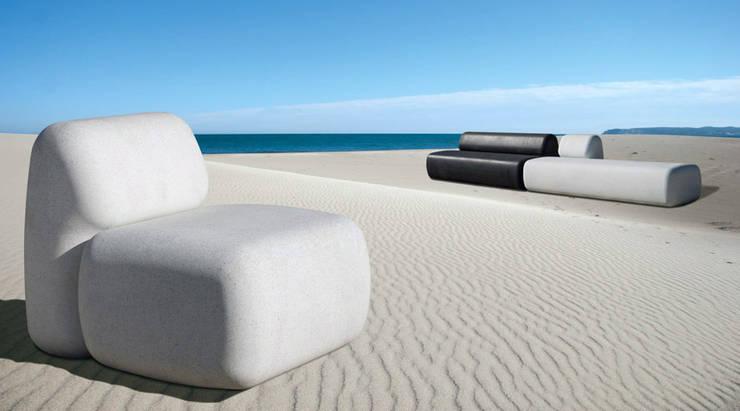 SIT Urban Furniture: Giardino in stile in stile Moderno di Diego Fortunato