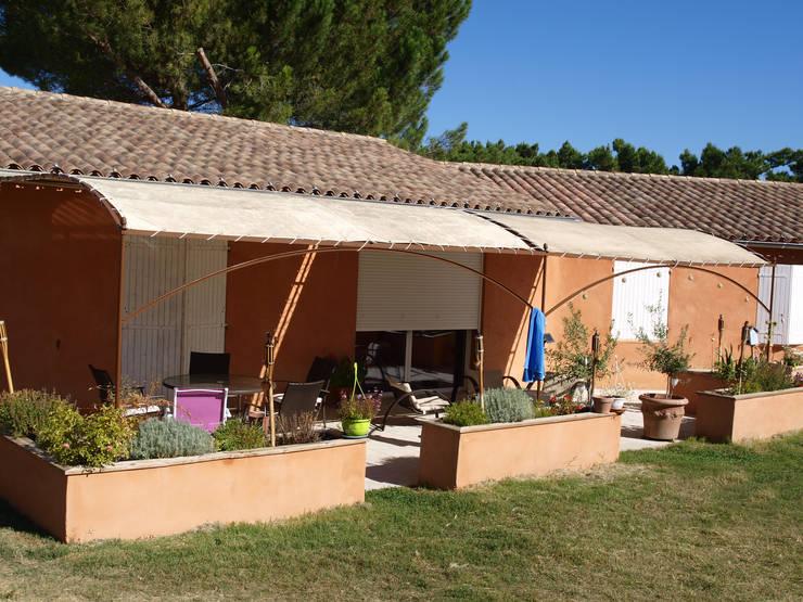 Terrasse et jardinière: Jardin de style  par Emilie Granato Architecture d'intérieur