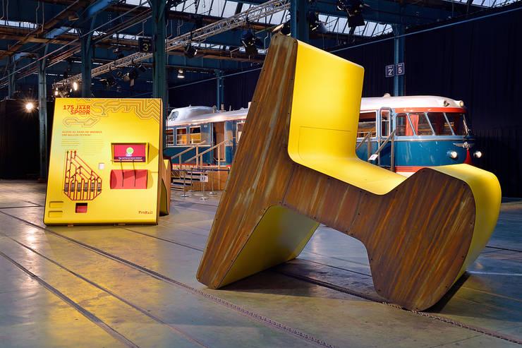 Pro Rail:  Exhibitieruimten door thisisjane
