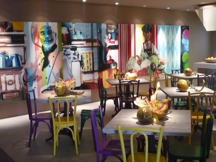 Casa Cor 2010: Cozinha  por CARMELLO ARQUITETURA