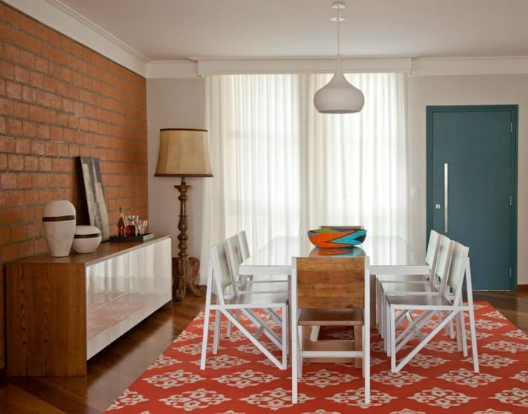 Dining room by CARMELLO ARQUITETURA
