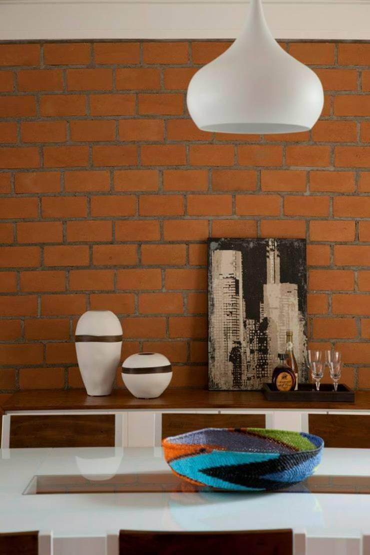 modern  oleh CARMELLO ARQUITETURA, Modern