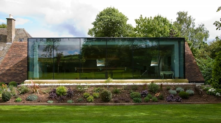 Rear Extension profile: modern Houses by Wildblood Macdonald