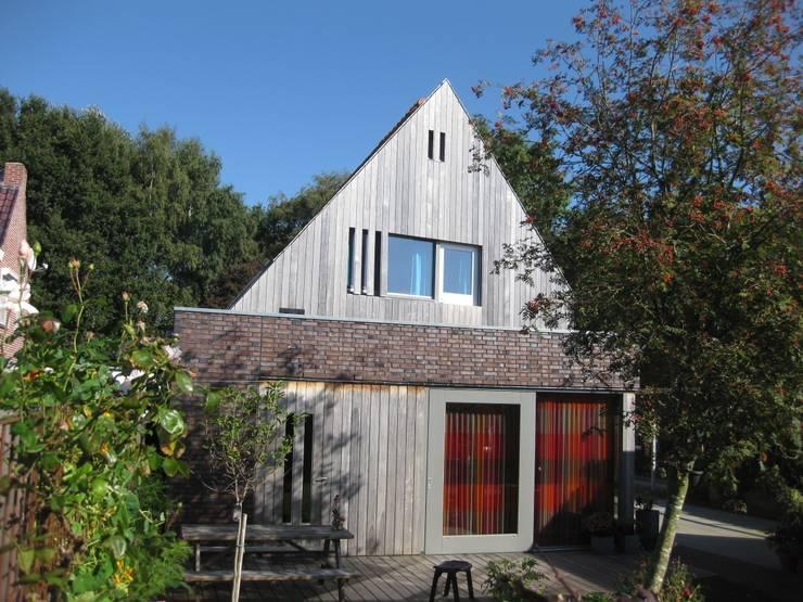 Tuingevel:   door TTAB (Tjade Timmer Architect & Bouwadvies)