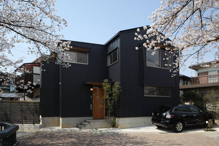 外観: 青木昌則建築研究所が手掛けた家です。,北欧
