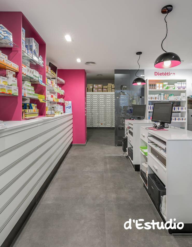 Farmacia Mayor Xirivella | Consejo Farmacéutico: Espacios comerciales de estilo  de d'Estudio
