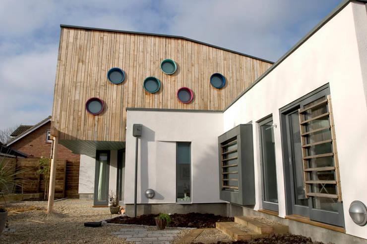 Garden by Gavin Langford Architects, Scandinavian