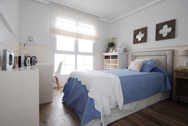 Sube Susaeta Interiorismo y Sube Contract diseño interior de casa con terraza: Dormitorios infantiles de estilo  de Sube Susaeta Interiorismo