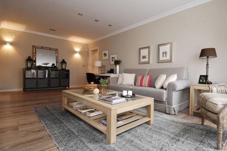 Sube Susaeta Interiorismo y Sube Contract diseño interior de casa con terraza: Salones de estilo  de Sube Susaeta Interiorismo