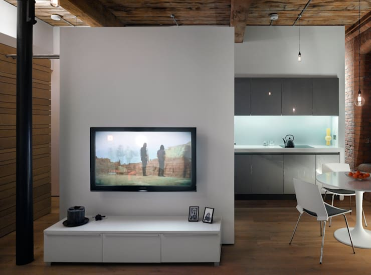 Albert Mill: minimalistic Living room by Donald Architecture