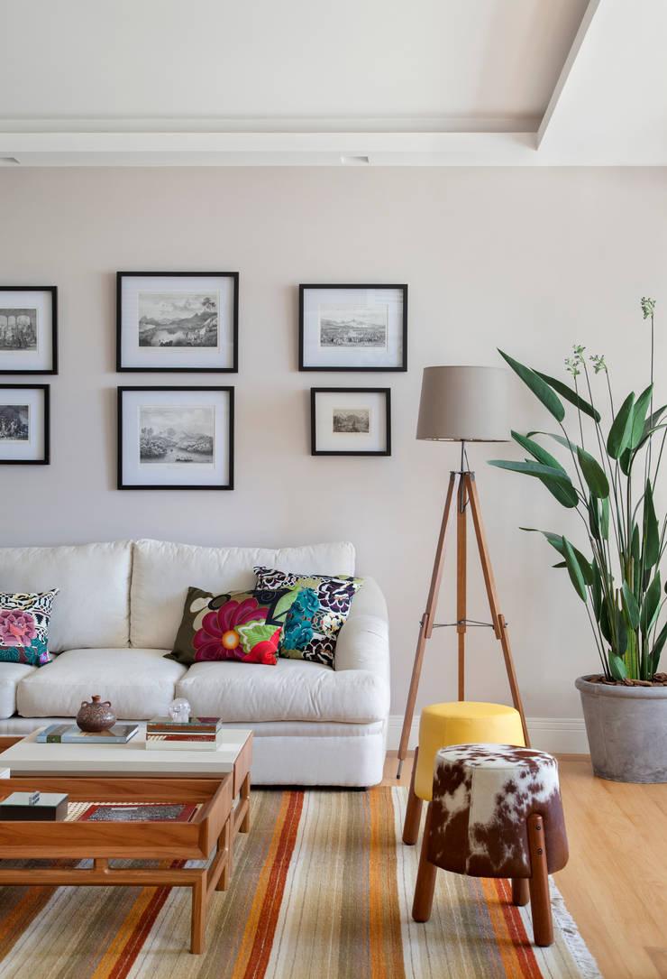 Sala de estar Salas de estar ecléticas por Da.Hora Arquitetura Eclético