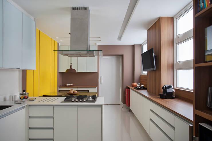 Cozinha: Cozinhas  por Da.Hora Arquitetura