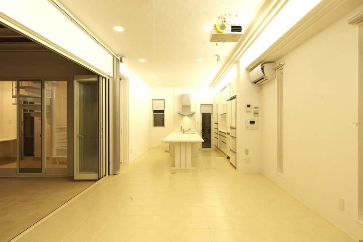 リビング・ダイニング: (有)設計工房TOGAWAが手掛けたダイニングです。