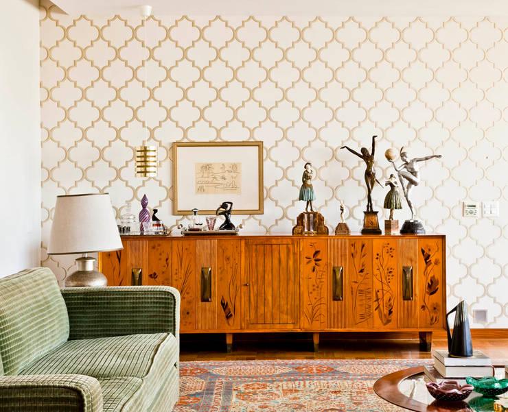 modern Living room by CARMELLO ARQUITETURA