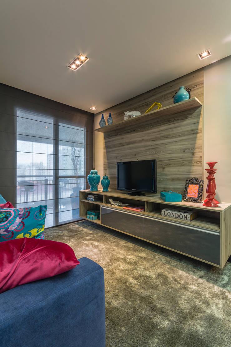 Gran Village Club: Salas de estar  por Lo. interiores,Moderno