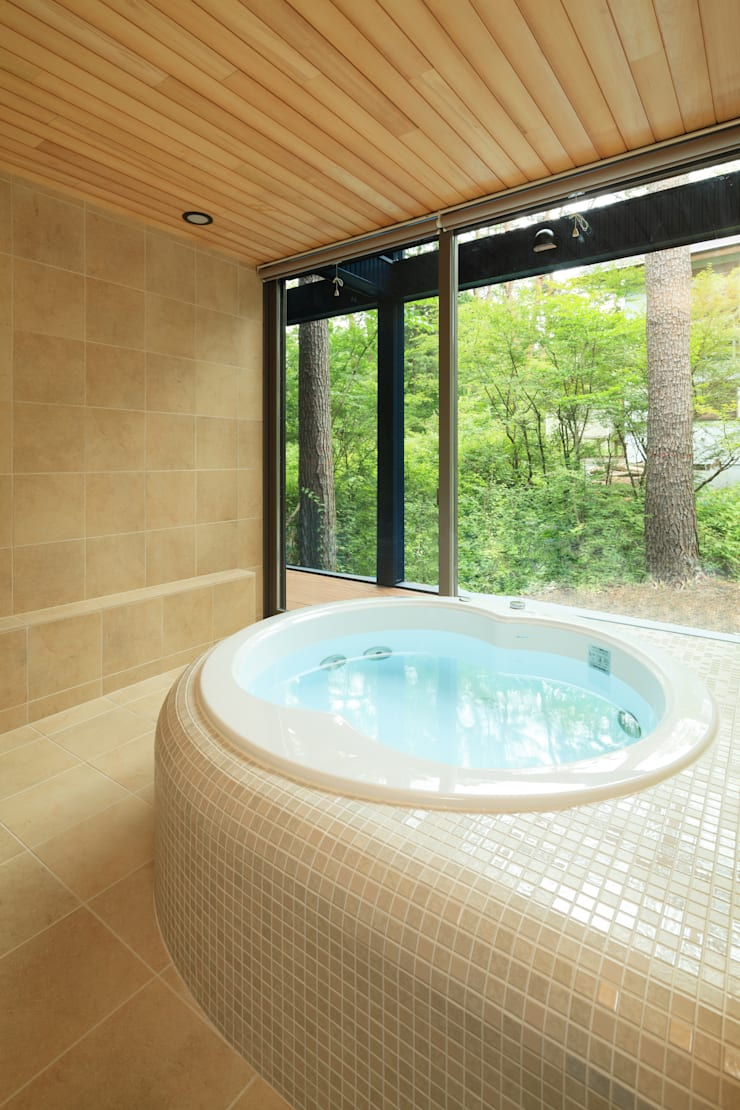 N HOUSE: kobbottoが手掛けた浴室です。,