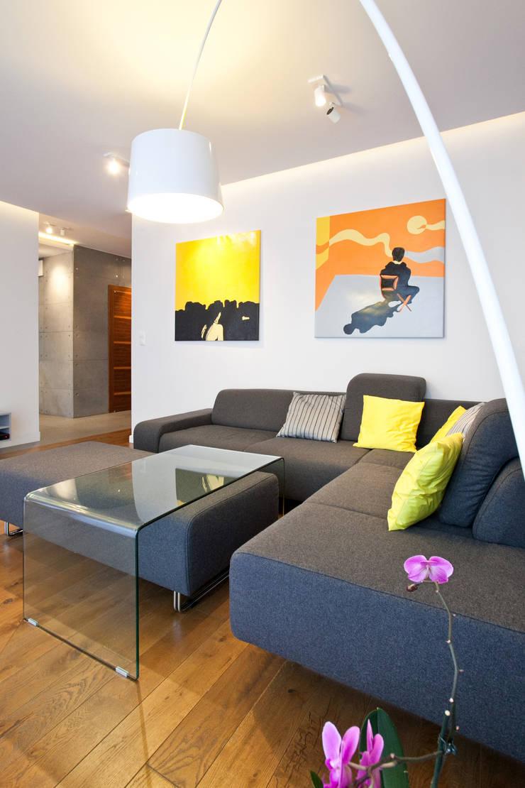 Realizacja projektu mieszkania 54 m2 w Krakowie: styl , w kategorii  zaprojektowany przez Lidia Sarad,Minimalistyczny