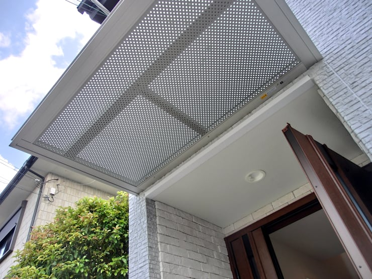 玄関ファザード: 高嶋設計事務所/恵星建設株式会社が手掛けた家です。,オリジナル
