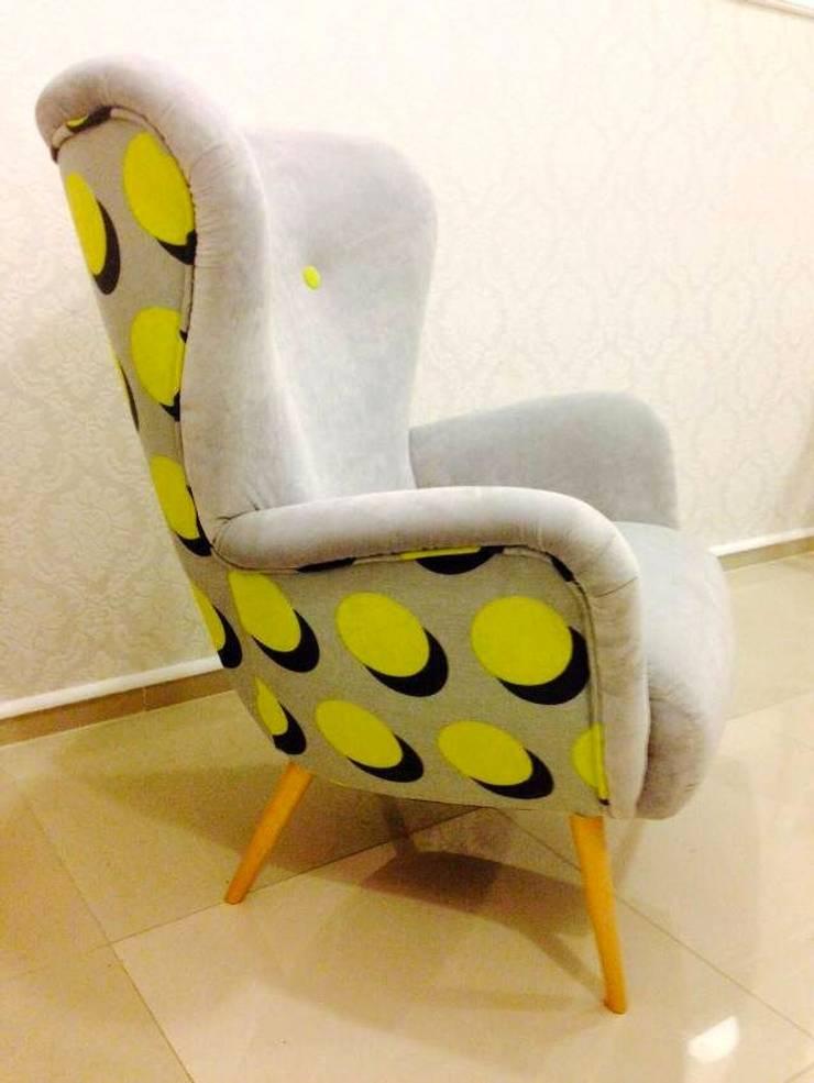 Fotel Uszak Atom : styl , w kategorii Salon zaprojektowany przez Juicy Colors,