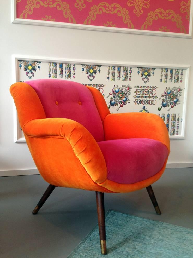Fotel Pomarańcza: styl , w kategorii Salon zaprojektowany przez Juicy Colors
