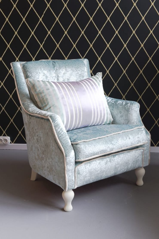 Fotel Miętus: styl , w kategorii Salon zaprojektowany przez Juicy Colors