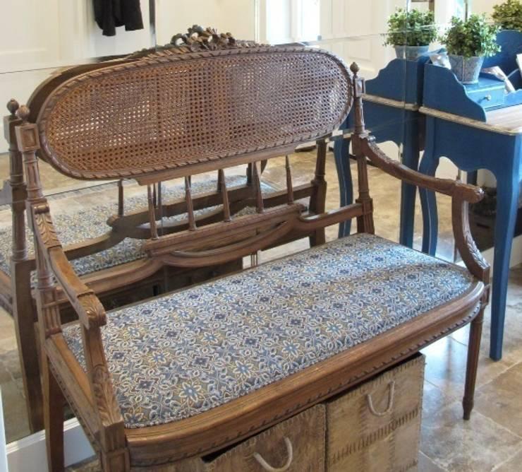 Ława stylu Ludwika XVI: styl , w kategorii Salon zaprojektowany przez GocaDesign