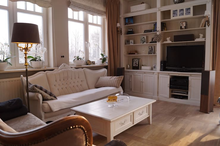 Sofa w stylu Ludwika XV.: styl , w kategorii Salon zaprojektowany przez GocaDesign