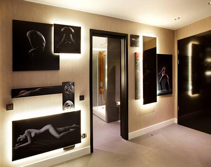 Udesign Architecture – Fulya Daire:  tarz Koridor ve Hol, Modern