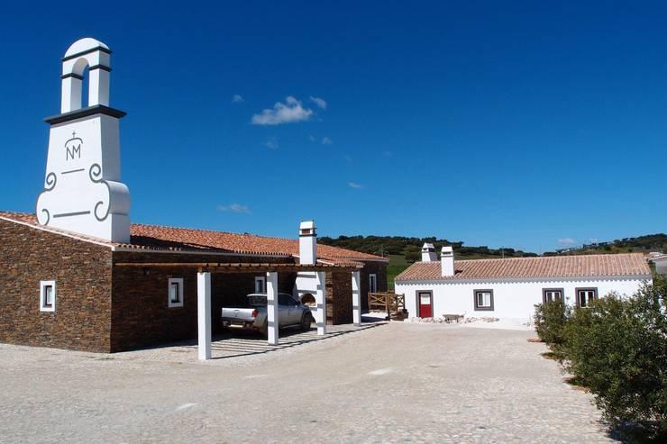 Alentejo - Portugal: Casas  por José Baganha & Arquitectos Associados