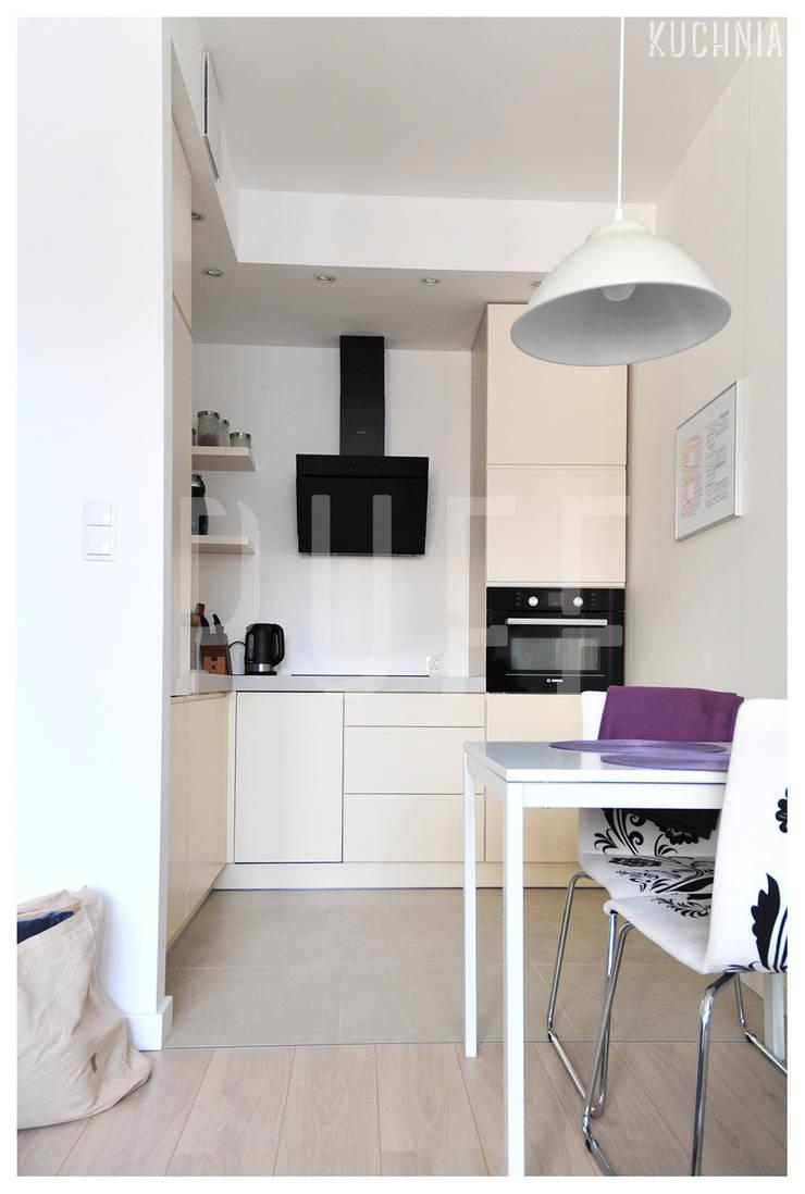 PRIVATE APARTAMENT 03: styl , w kategorii Kuchnia zaprojektowany przez PUFF,