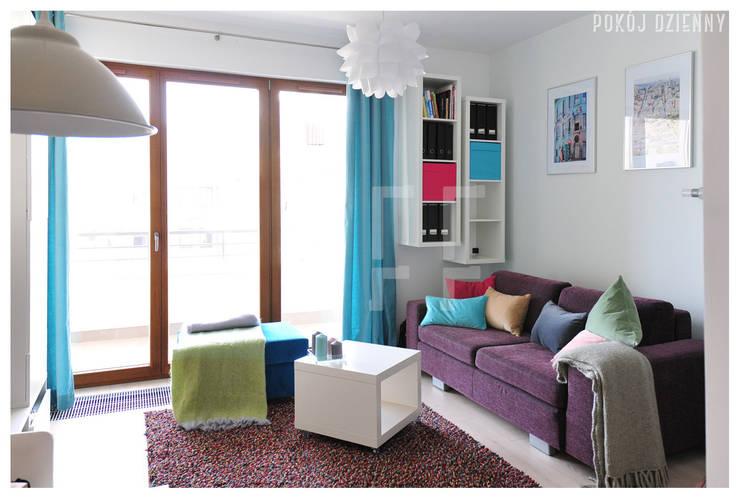 PRIVATE APARTAMENT 03: styl , w kategorii Salon zaprojektowany przez PUFF,