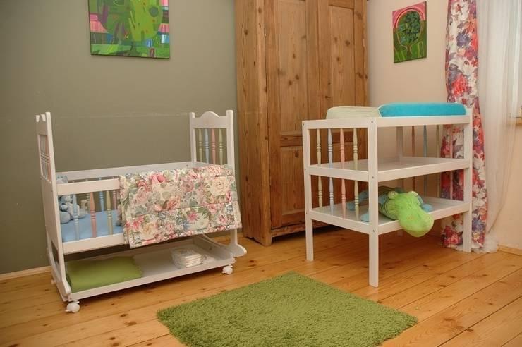 Łóżeczko kołyski i łóżeczka:) : styl , w kategorii Pokój dziecięcy zaprojektowany przez lululaj