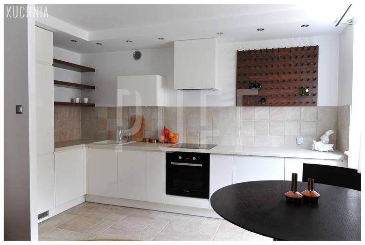 PRIVATE APARTAMENT 04: styl , w kategorii Kuchnia zaprojektowany przez PUFF