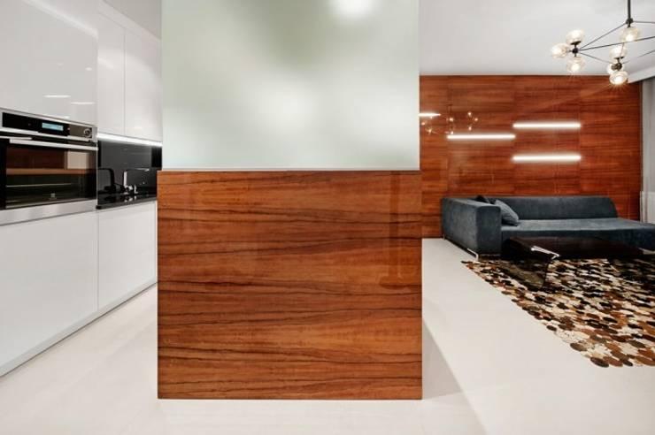Apartament w Bielawie: styl , w kategorii Kuchnia zaprojektowany przez Finchstudio,Minimalistyczny