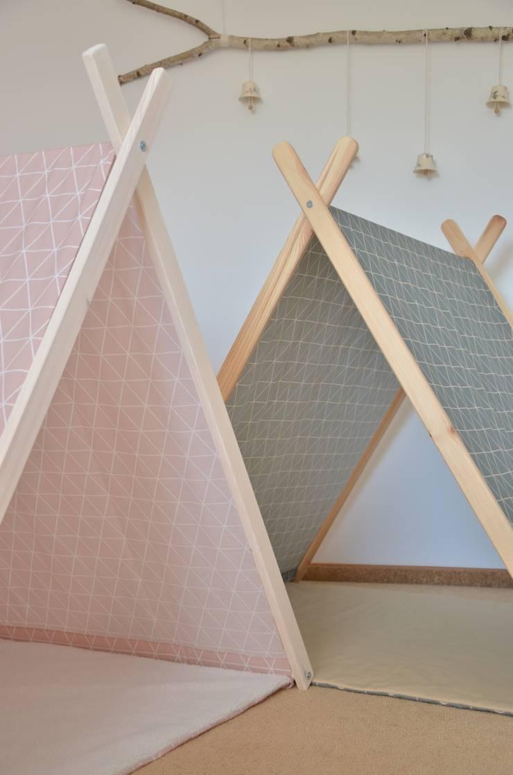 Domek namiot tipi: styl , w kategorii Pokój dziecięcy zaprojektowany przez Lucky Kids